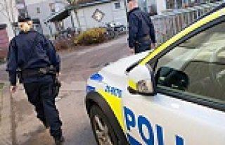 İsveç'te polise tehditler savuran genç kız gözaltına...