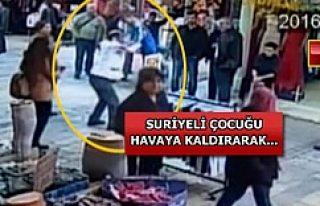 İzmir'deki seyyar satıcı, Suriyeli çocuğu...