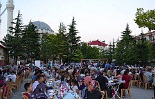Kulu'da dev iftar...FOTO GALERİ