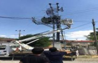 Kulu'da elektrik akımına kapılan kişi hayatını...