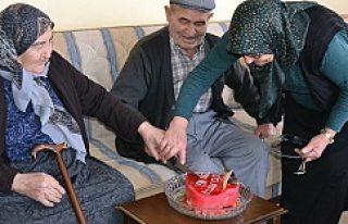 Kulu'daki Yaşlı Çiftler Sevgililer Gününde...