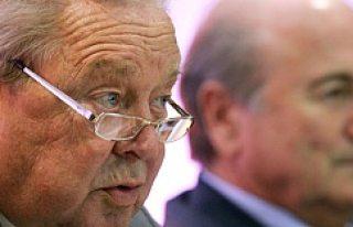 Lennart Johansson, Joseph Blatter'i yerden yere...