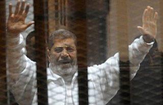 Mursi hakkındaki idam kararına İsveç'ten...