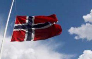 Norveç, dört NATO subayı ile bir askeri ateşenin...