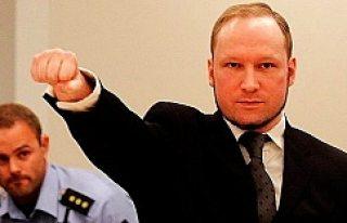 Norveç'te 77 kişiyi katleden terörist Breivik'e...