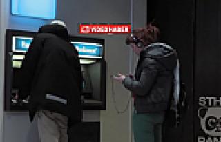 Para çekme makinasında paranızı unutsanız, İsveçliler...