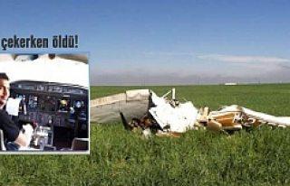 """Pilot """"Selfie"""" çekerken uçak düştü!"""