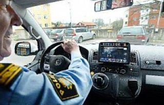 Polis arabaları İsveç'te otomatik plaka kontrolü...