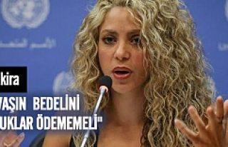 """Shakira'dan dünya liderlerine """"Aylan Kurdi""""..."""