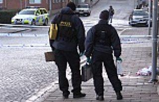 Skåne'de bir genç sokak ortasında vuruldu...VİDEO