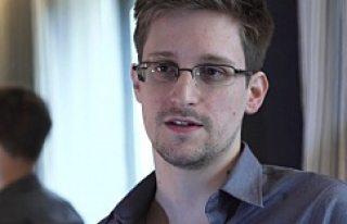 Snowden, Moskova'da İsveçli Parlamenterlerle...