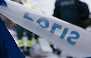 Spånga'da bir genç bıçaklandı