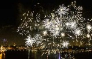 Stocholm, Göteborg ve Malmö'de havai fişek gösterileri...VİDEO