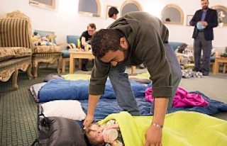 Stockholm'de Beş çocuğu ile Camiye Sığındı