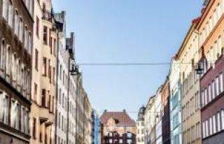 ''Stockholm'de ev bulmak deveye hendek...