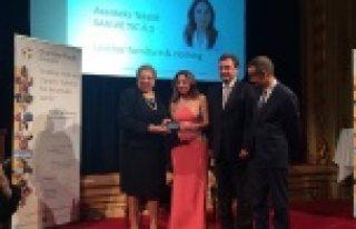 Stockholm'de büyük ödülü Türk iş kadını...
