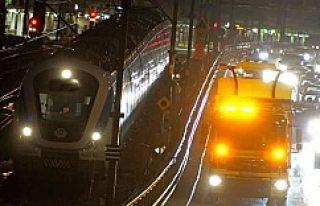 Stockholm'de trenin altında kalan kişi intihar...