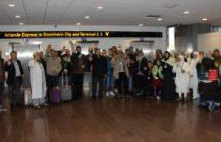 Umre yolcuları İsveç'ten dualarla uğurlandı