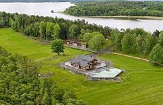 Ünlü yıldız İsveç'teki adasını satılığa...
