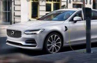 Volvo, yeni modeller çıkarmak yerine elektriklenmeye...