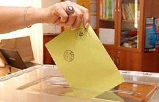 Yurt dışında yaşayan gurbetçiler oy kullanmaya...