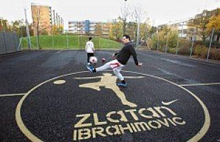 Zlatan'ın Malmö'de ki futbol sahasında...