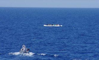 Kaçakçılar göçmenleri denize attı: En az 20 ölü