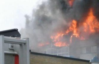 İsveç'te büyük yangın! İnsanlar binada mahsur kaldı