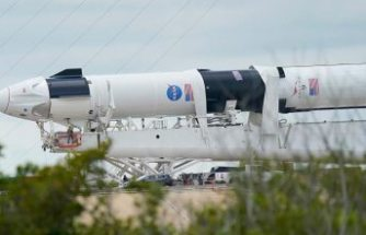 Dünya bugüne odaklandı: İlk astronotlu SpaceX roketi fırlatılıyor