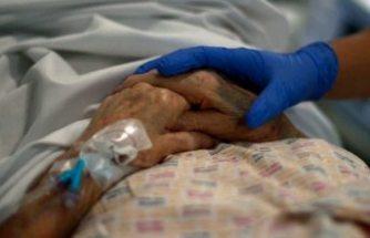 İsveç'te covid-19 hastalarının çoğu öldüklerinde yanında kimse olmuyor