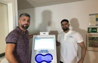 Yüzde yüz Türk patentli el dezenfekte cihazı İsveç'te  satışı başladı