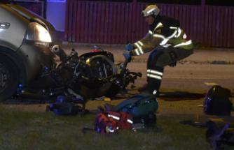 At taşıyan aracın altında kalan motosiklet sürücüsü hayatını kaybetti