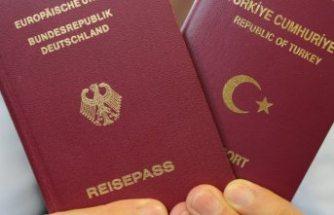 AB Adalet Divanı'ndan Türkler için 'çifte vatandaş' kararı