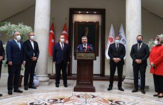 Türkiye genelinde koronavirüsün yeniden tırmanışa geçtiği açıklandı