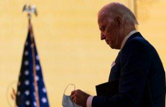 Köpeği ile oynarken düşen Joe Biden'ın ayağında çatlak oluştu