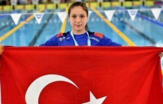 Milli yüzücüsü Merve Tuncel dünya gençler rekorunu kırdı