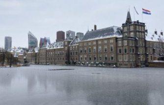 Hollanda Parlamentosu, Çin'in Uygur Türklerine yönelik uygulamalarını 'soykırım' olarak tanıdı