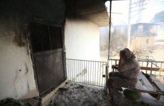 Manavgat'ta kanser hastası yaşlı kadının tedavi parası yangında kül oldu