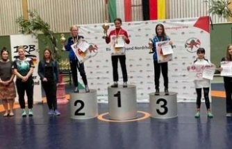 13 yaşındaki Türk kızı Zeynep güreşte Almanya Şampiyonu oldu!