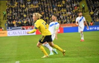 Bakasetas ve Pelkas'lı Yunanistan İsveç'e mağlup oldu
