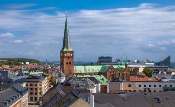 Danimarka'nın Århus şehrinde maske takmak zorunlu oldu