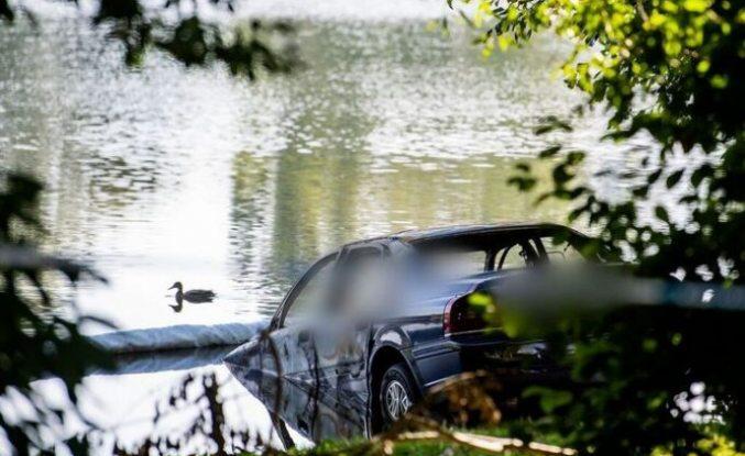 Fittja'da yanmış araçta ceset bulundu