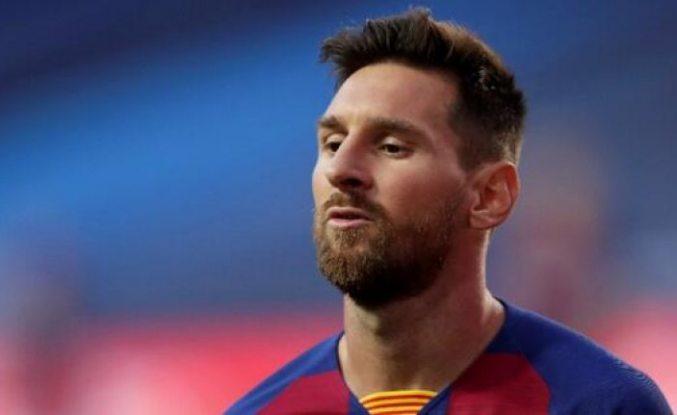 Lionel Messi Barcelona'ya ayrılmak istediğini bildirdi