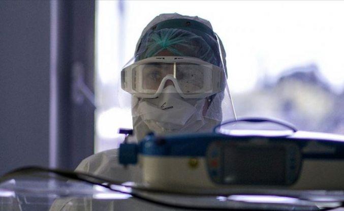 Türkiye'de son bir günde 2102 yeni vaka tespit edildi