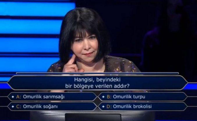 """İsveç'te yaşayan Mehtap Gül Caymaz'ın katıldığı """"Kim Milyoner Olmak İster"""", yarışması bölümü sosyal medyada gündem oldu"""