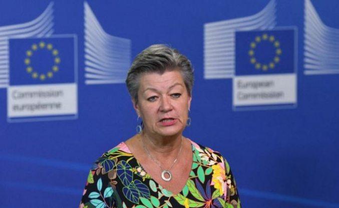 AB'den Yunanistan'a 'geri itme' uyarısı: 'Atina temel Avrupa değerlerini ihlal ediyor'