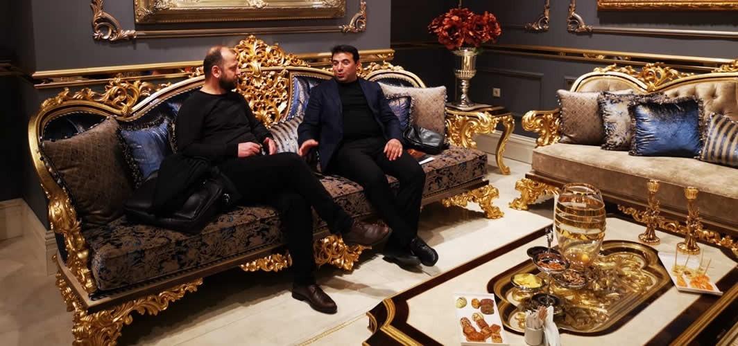 İsveç'te başarılı iki Türk iş adamı hem rakip hem dostlar
