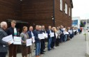 Norveç'te Hıristiyanlar camiye kalkan oldu