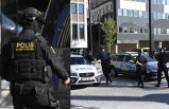 İsveç'te polis karakoluna silahlı saldırgan vuruldu
