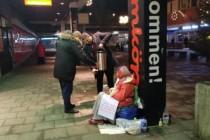 Uluslararası Demokratlar Birliğinden Stockholm'deki evsizlere yardım